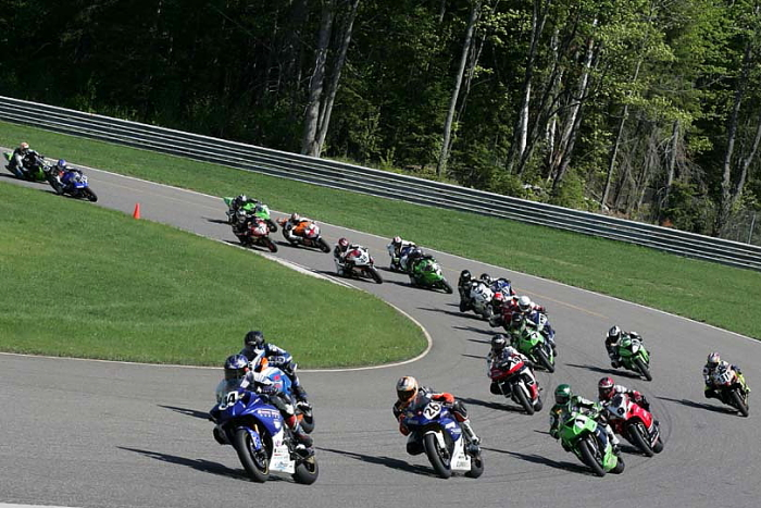 mopar-canadian-superbike-championship-to-open-at-calabogie